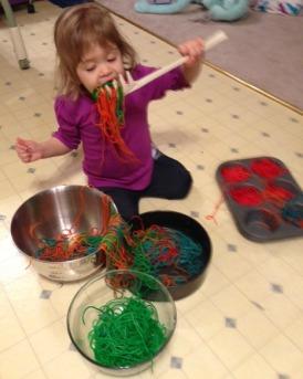 Rainbow Spaghetti Sensory Play @joyinthesemoments.com